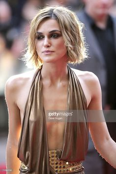 Actress Keira Knightley arrives at the European premiere of 'Pirates Of The Caribbean: Dead Man's Chest' at Odeon Leicester Square on July 3, 2006 in London, England.