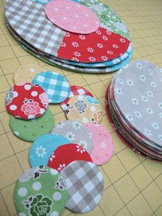 Cute dot quilt, really simple applique circles to background. Love it in this bright fabric