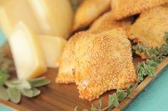 Πιτάκια με γραβιερίνο και παριζάκι Dairy, Cheese, Food, Meals, Yemek, Eten