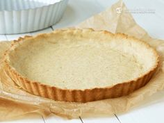 Multi-purpose Keto Pie Crust (Almond and coconut or flax as base, psyllium husk powder and other on-hand ingredients) Low Carb Sweets, Low Carb Desserts, Healthy Desserts, Low Carb Recipes, Low Carb Pie Crust, Low Carb Bread, Low Carb Keto, Sin Gluten, Cream Cheese Fat Bombs