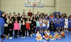Inaugurando el Pabellón Municipal Polideportivo 'Alberto Arnal Andrés'