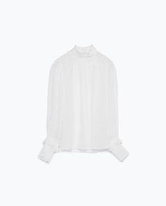 Image 6 de TOP EN PLUMETIS de Zara