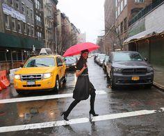 Best of #nyfw Este fue de los momentos mas divertidos del viaje, haciendo fotos bajo la lluvia! ☔️ wearing @brandtrista #newyork #ootd #rain #moalmada