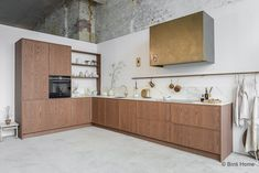 There are hundreds of awesome design ideas for kitchen cabinets and this article will discuss a few of the more popular ones. Many homeowners, whether they are designing a kitchen for a new home or an existing home, will find that selecting a reputable. Kitchen Rules, Home Decor Kitchen, Kitchen Furniture, Kitchen Interior, Home Kitchens, Best Kitchen Designs, Modern Kitchen Design, Wooden Kitchen, Kitchen And Bath