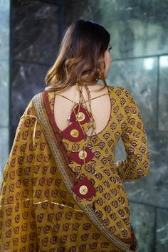 Handblock Suit set - Buy handblock suit set at Aachho. We have a wide range of handblock printed and Gotta Pati Suit Sets. COD is available across all India. Shop Now! Sleeves Designs For Dresses, Neck Designs For Suits, Back Neck Designs, Dress Neck Designs, Blouse Designs, Dresses With Sleeves, Kurta Neck Design, Dress Indian Style, Kurta Designs Women