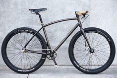 Fast Boy Cycles TF5. Those cork grips drive me nanners.