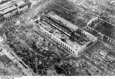 Die deutschen Bomben zerhämmerten die Industrieanlagen Stalingrads.16.11.42