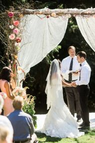 a gorgeous outdoor wedding #DonnaMorganEngaged
