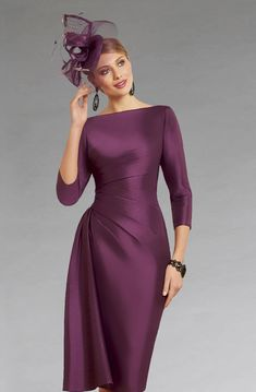 This knee length dress features a gathered drape design which creates a more flattering silhouette. The dress also features three quarter length sleeves. Long Sleeve Mermaid Dress, Lace Dress With Sleeves, Mother Of Bride Outfits, Mother Of Groom Dresses, Elegant Dresses For Women, Beautiful Dresses, Mature Bride Dresses, Couture Dresses, Fashion Dresses