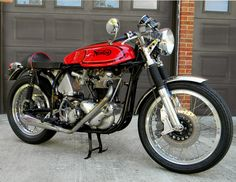 1966 Norton Cafe Racer. sweet look. Love the mirrors.