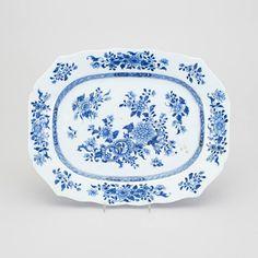 Travessa em porcelana Chinesa de Cia das Indias do sec.18th, Periodo Qianlong, 36cm, 1,420 USD / 1,250 EUROS / 5,010 REAIS / 9,170 CHINESE YUAN soulcariocantiques.tictail.com