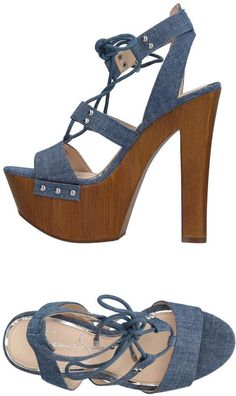 65389b5f12c JESSICA SIMPSON Sandals. denim heels with square heel