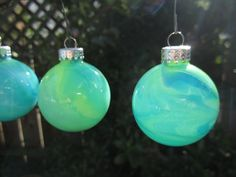 Hey, I found this really awesome Etsy listing at http://www.etsy.com/listing/117768334/glow-in-the-dark-xmas-bauble-aqua-blue