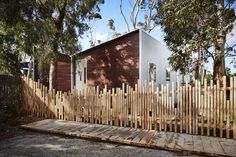 Gallery of Turners Beach House by Nigel Eberhardt Architecture / TLP Grand Designs Australia, Outdoor Walls, Outdoor Living, House Cladding, Metal Cladding, In Law House, Beach Shoot, Building Exterior, Will Turner