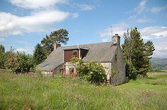 Easter Inverglas Scotland, Cottage, Easter, Cabin, House Styles, Home Decor, Homemade Home Decor, Casa De Campo, Cabins
