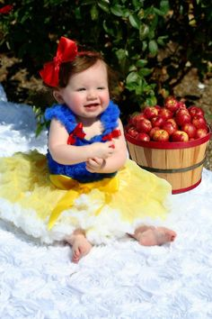 3RD BIRTHDAY PARTY IDEA?...<3...Disney Princess Snow White Inspired Pettiskirt by southernbelle972, $65.00