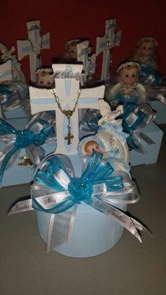 1000 images about arreglo de bombones creaciones love on pinterest frozen party virgen de - Arreglos de mesa para bautizo ...