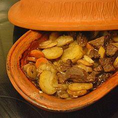 Recept grytstek i lergryta Libyan Food, Pot Roast, Beignets, Crockpot, Slow Cooker, Clean Eating, Food And Drink, Dessert, Meat