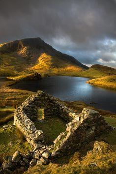 Ancient ruins, Llyn Dwyarchen, Wales