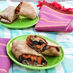 Roasted Sweet Potato Wraps with Caramelized Onions and Pesto. Bust out of the boring wrap rut with this sweet and savory combination: sweet potatoes coated with pesto, rounded off with caramelized onions, roasted cherry tomatoes and parmesan Radish Recipes, Lunch Recipes, Vegetarian Recipes, Vegetarian Wraps, Onion Recipes, Camping Recipes, Healthy Recipes, Camping Meals, Cheese Recipes