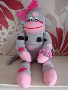 SUNNYTEDDYS DESIGNS: Perfecting the sock monkeys