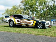 Funny Car Drag Racing, Nhra Drag Racing, Funny Cars, Dodge Muscle Cars, Plymouth Cars, Car Racer, Drag Cars, Vintage Humor, Vintage Racing