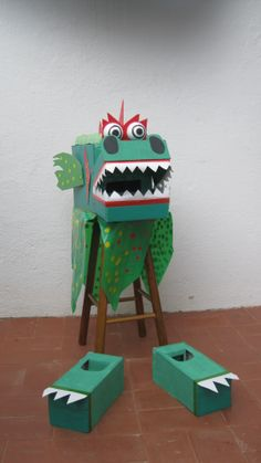 Chinese New Year Dragon, Year Of The Dragon, Art For Kids, Crafts For Kids, Arts And Crafts, Mardi Gras Float, Diy Halloween Costumes For Kids, Dinosaur Crafts, Creative Activities