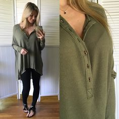 ▪️Olive Green Thermal Tunic Brand New, without tags. I removed the tags and never have worn it. Absolute perfect condition. Size Small. Modeling Small. Very soft, lightweight and flowy. Buttons in front to adjust neckline and side slits. 88% Rayon 12% Linen. Made well, very good brand. Price Firm. Free People Tops Tunics