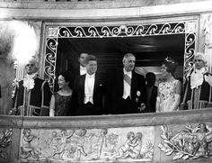 Visit of the Kennedy couple received by General de Gaulle in the Royal Opera of Versailles.