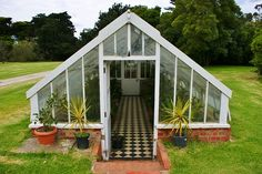 If you love gardening and are thinking about building your own hot house greenhouse here is some build backyard sheds advice to consider in your planning stage. Porch Greenhouse, Cheap Greenhouse, Greenhouse Wedding, Greenhouse Plans, Greenhouse Gardening, Portable Greenhouse, Kalter Winter, Victorian Greenhouses, Greenhouse Interiors