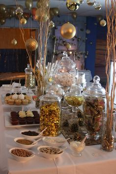 white wedding candy bar   Gold and white candy bar   40th Wedding Anniversary Party