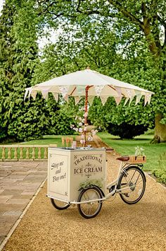 See this gorgeous ice cream tricycle from Vintage Teas at The Wedding. - vintage wedding Amazing of July Wedding with Cool Americana Decor July Wedding, Dream Wedding, Spring Wedding, Wedding Catering, Wedding Venues, Wedding Food Bars, Food Truck Wedding, Garden Wedding Games, Bicycle Wedding