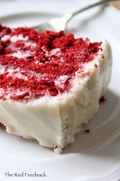 60 year old Red Velvet Cake recipe The frosting recipe is the one my family always used. No other frosting compares!!! Köstliche Desserts, Delicious Desserts, Yummy Food, Frosting Recipes, Cake Recipes, Icing Recipe, Red Velvet Cake Rezept, Bolo Cake, How Sweet Eats
