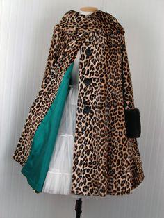 1950s Leopard and Fur Coat. Vintage 50s Leopard Print Swing Coat w Mouton Fur Cuffs  xl.