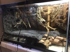 Your big tortoise is a source of pleasure to you. Reptile House, Reptile Room, Reptile Cage, Decor Terrarium, Air Plant Terrarium, Terrarium Ideas, Tortoise Enclosure, Reptile Enclosure, Les Reptiles