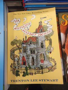 Surviving the applewhites applewhites series book 1 by stephanie s surviving the applewhites applewhites series book 1 by stephanie s tolan great books pinterest books fandeluxe Gallery
