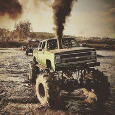 Mud truck Monday #mudonthetires #mudtruckmonday #mudtruck #mudtires #squarebody #mudding #crewcab #jackeduptrucks #liftedtruck #liftedlife #chevynation #chevrolet