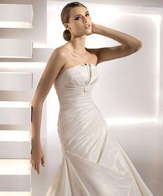 Pronovias Geraldine Bridal Gown
