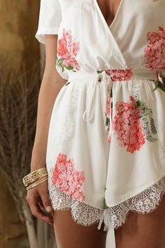 White Flowers Print Lace V-neck Short Sleeve Drawstring Waist Sexy Short Jumpsuit - Shorts - Bottoms