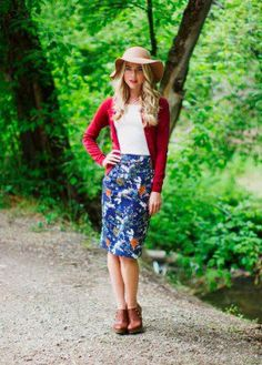 Floral pencil skirt in rust