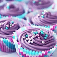 Purple and turquoise cupcakes Purple Cupcakes, Glitter Cupcakes, Yummy Cupcakes, Turquoise Cupcakes, Cupcake Art, Cupcake Cakes, Cup Cakes, Cupcake Ideas, Cupcake Recipes