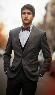 Give a little character to your holiday suit with a plaid bow tie | GALLA.