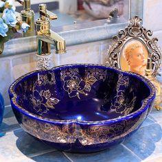 Dream Bathrooms, Beautiful Bathrooms, Wooden Bathtub, Sink Design, Bathroom Design Luxury, Shower Remodel, Elegant Homes, Country Decor, Decoration