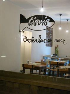 Geopend vanaf 11 december 2015 in de Burgstraat 8. In de Burgstraat nummer acht kan je vanaf december terecht in oesterbar Tisvis. Er zijn verschillende formules beschikbaar, ook om mee te nemen. N...