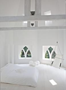 Minimalist white bedroom in amazing space white rooms, living room white, white walls, Bedroom Green, White Bedroom, Bedroom Colors, Dream Bedroom, Living Room White, White Rooms, White Walls, Home And Living, Bedroom Images