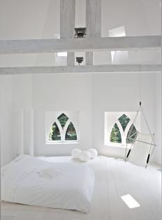 Minimalist White Bedroom In Amazing E Walls Rooms Dream