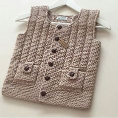 easy-to-new-und-andere-Saison – Baby Kleidung Baby Knitting Patterns, Knitting For Kids, Crochet For Kids, Knitting Designs, Baby Patterns, Hand Knitting, Knit Crochet, Pull Bebe, Vogue Knitting