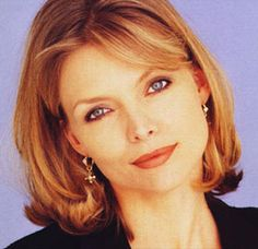 Love her cut and color Michelle Pfeiffer Michelle Pfeiffer, Female Actresses, Actors & Actresses, Wallpaper Collection, Face Shape Hairstyles, Divas, Her Cut, Hollywood, Hairspray