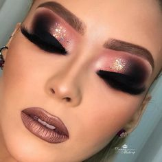 10 Dramatic Wedding Makeup Ideas for Daring Brides Dewy Skin Makeup, Rose Gold Makeup, Eyebrow Makeup, Glam Makeup, Makeup Inspo, Eyeshadow Makeup, Makeup Inspiration, Soft Bridal Makeup, Dramatic Wedding Makeup