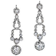 1920s Art Deco Diamond Platinum Dangle Earrings